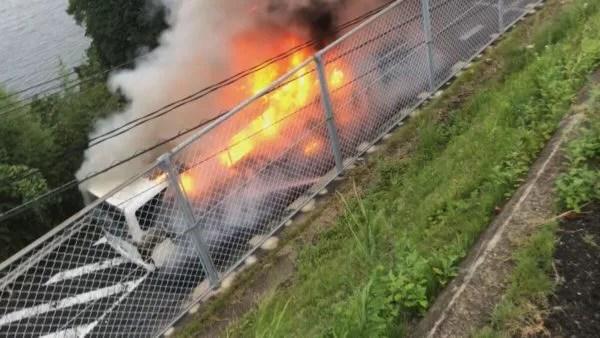 長崎市琴海村松町でバス車両火災