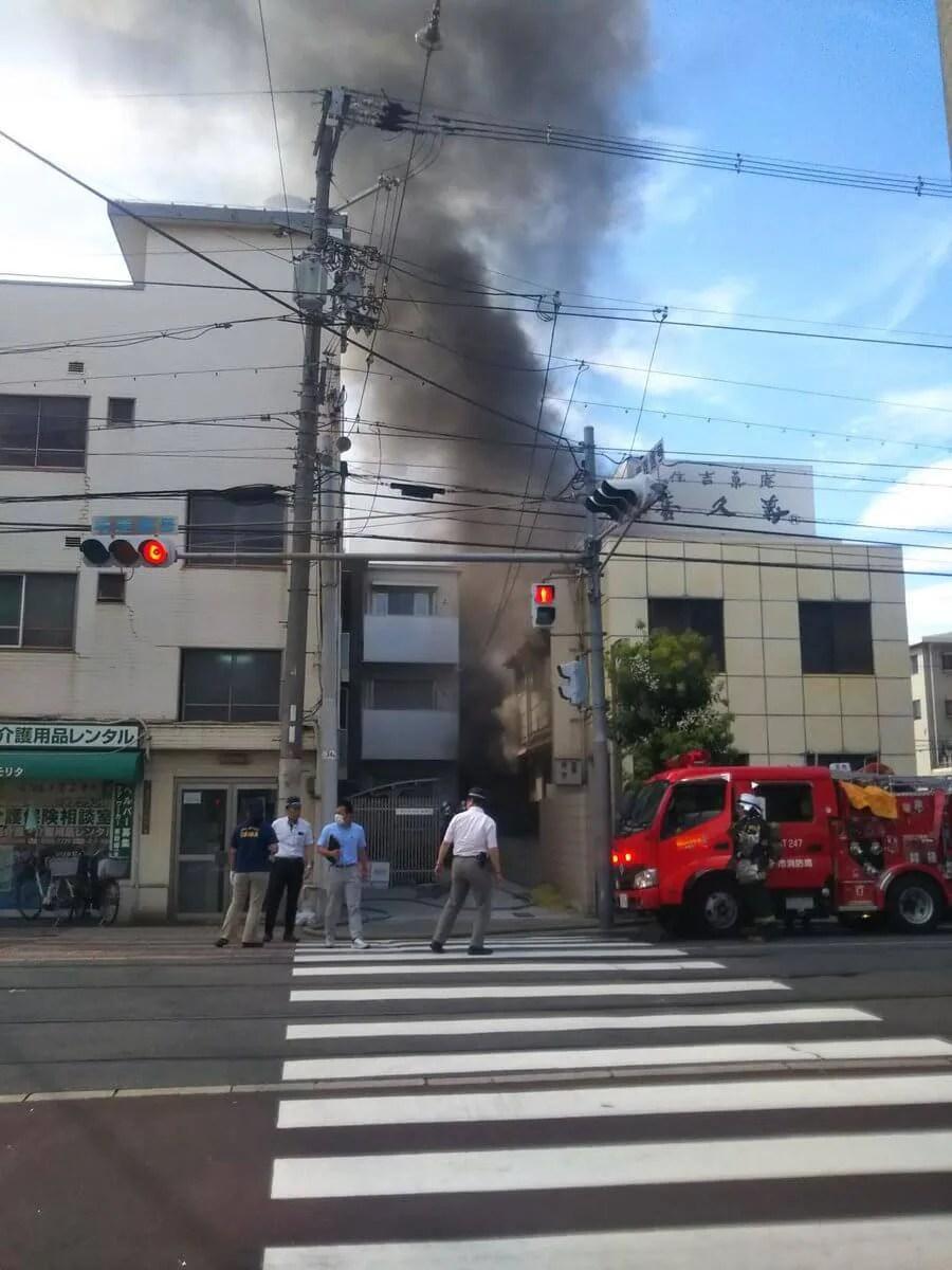 住吉菓庵 喜久寿付近で火災