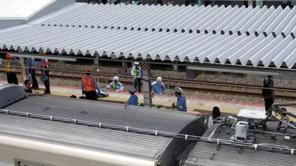 阪和線 和泉府中駅で人身事故が発生