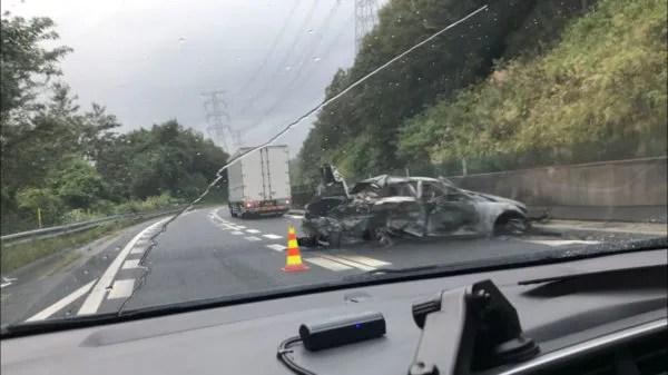 中央自動車道下り恵那→瑞浪間にて車両火災