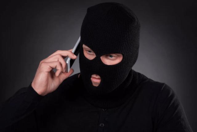 В Георгиевске устанавливаю личность телефонного мошенника, обманувшего пенсионерку