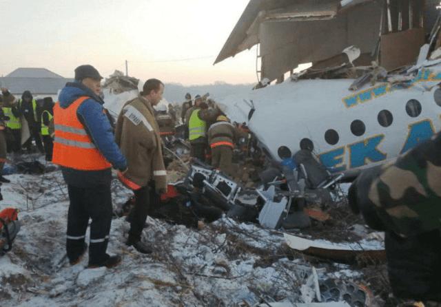В Казахстане упал самолет авиакомпании Bek Air со 100 пассажирами на борту