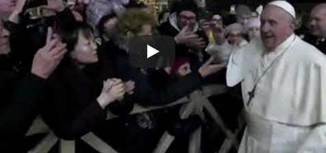 Фанатка попыталась похитить Папу Римского в Новогоднюю ночь