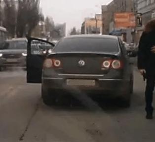 В Саратове парень начал стрелять на дороге из-за конфликта