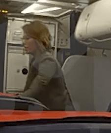 Ксению Собчак сняли с рейса в аэропорту Внуково