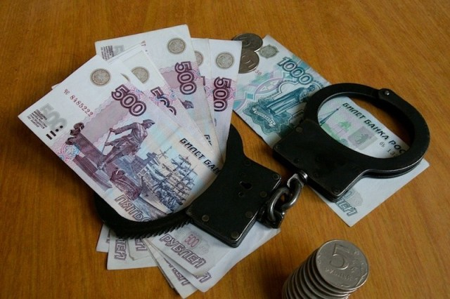 Парни напали на улице на подростка и отняли у него деньги в Пятигорске
