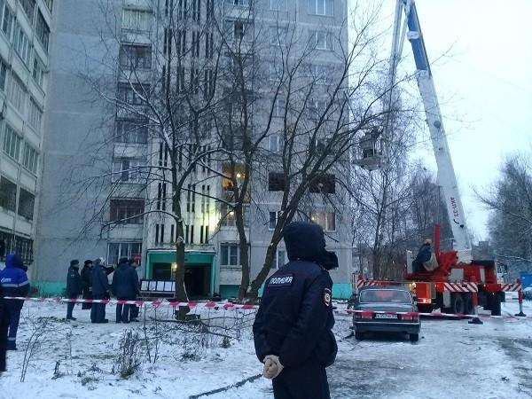 2 человека доставлены в больницу в результате хлопка газовой смеси в многоэтажке Твери