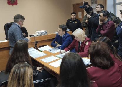Прямо сейчас в разгаре суд по делу сбежавшей из коронавирусного карантина Аллы Ильиной