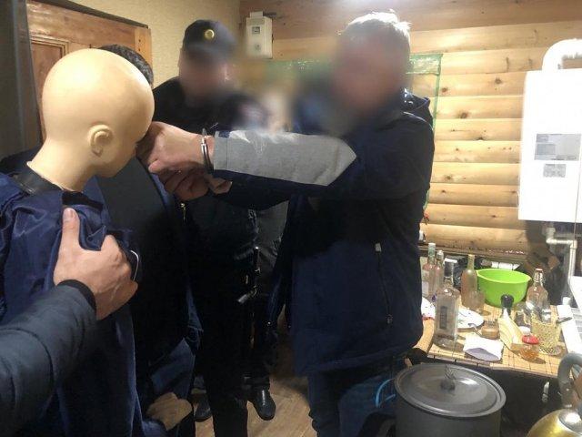 Обнаружившую пьяную подругу со злости убил мужчина в Сочи