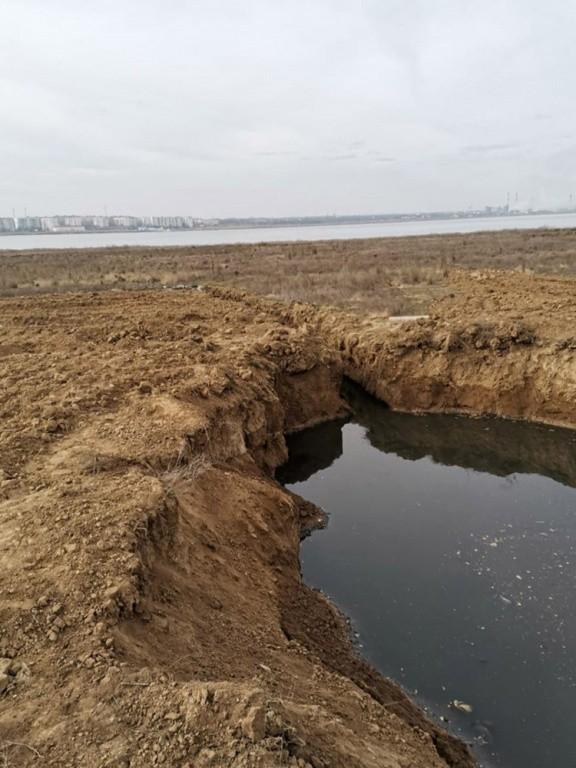 Канализацию из военного городка сбрасывали в озеро в Буденновске
