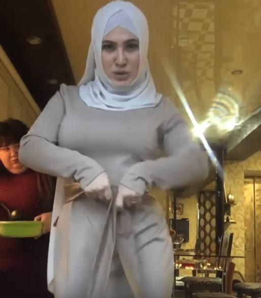 Стриптиз в хиджабе исполнила скандально известная блогерша в Северной Осетии