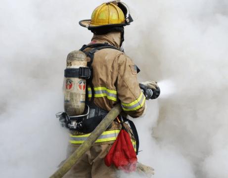 Московским пожарным раздали адреса карантинных пациентов, чтобы они не заразились