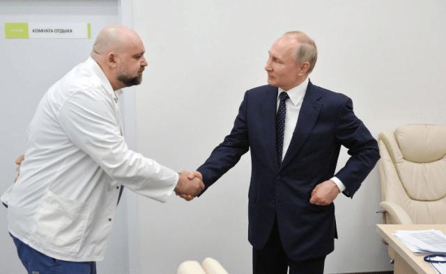 Главврач московской Коммунарки  о возможных сценариях развития  коронавируса доложил Владимиру Путину