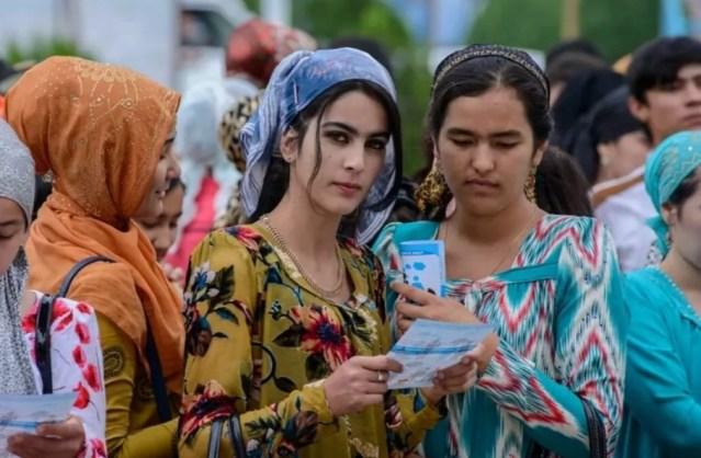 Таджикам не позволят носить русифицированные фамилии