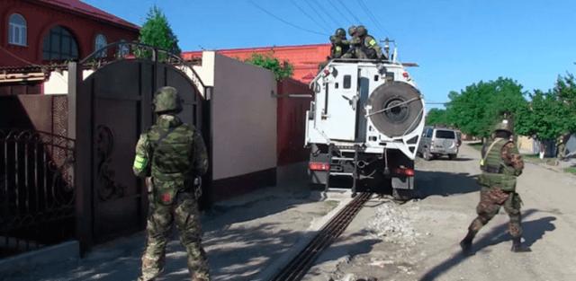 В Ингушетии силовики ведут бой с боевиками