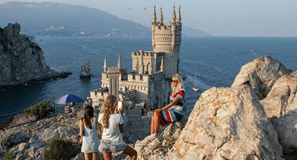 Эксперты предположили, сколько этим летом будет стоить отдых в России