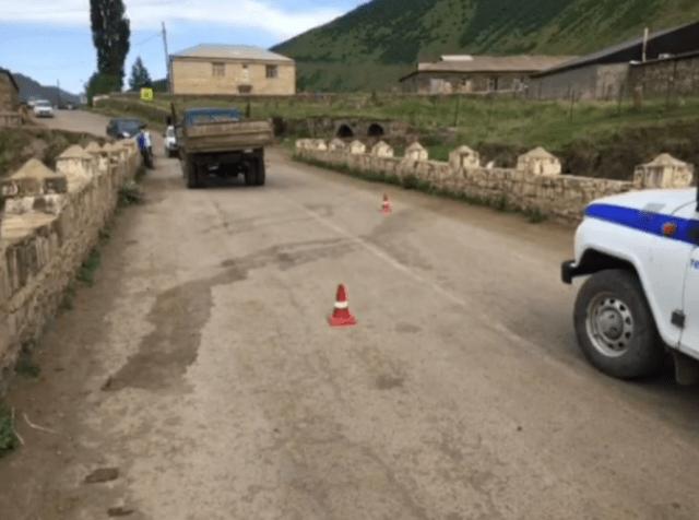 Ребенка на самокате насмерть сбил грузовик в Дагестане