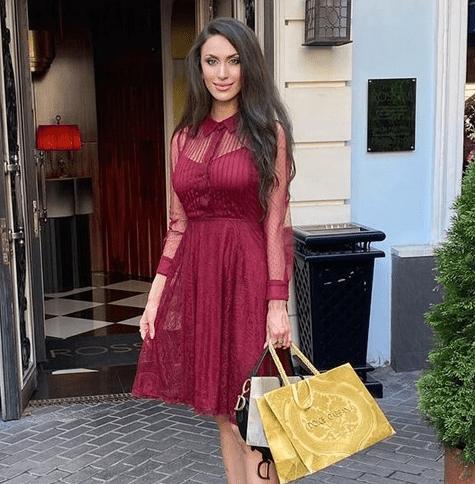 В номере Московского отеля нашли мертвой известного эксперт телешоу экстрасенса и сексолога Анну Амбарцумян
