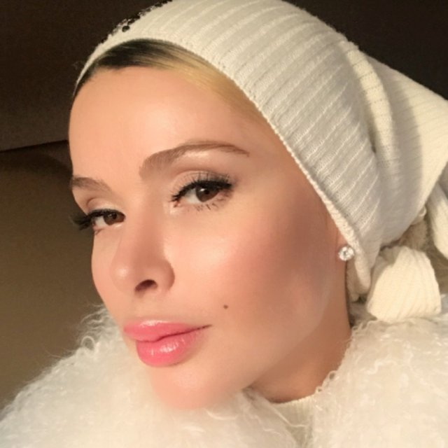 Дорогие стринги украли во время съемок у известной модели Алены Кравец