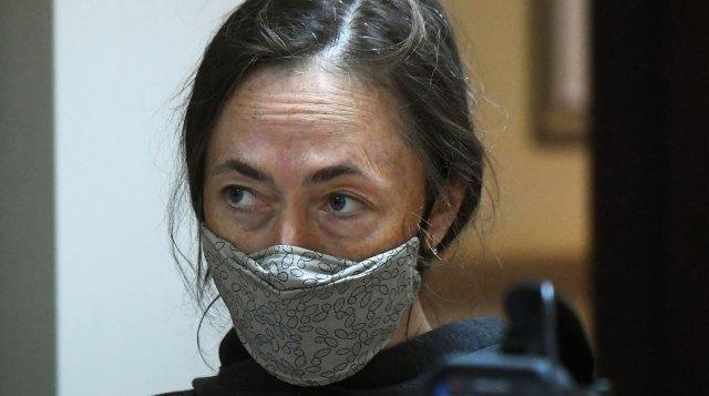 Жена Михаила Ефремова требует от актера деньги