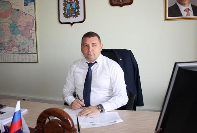 Бывшего главу Минстроя на Ставрополье подозревают в получении взятки