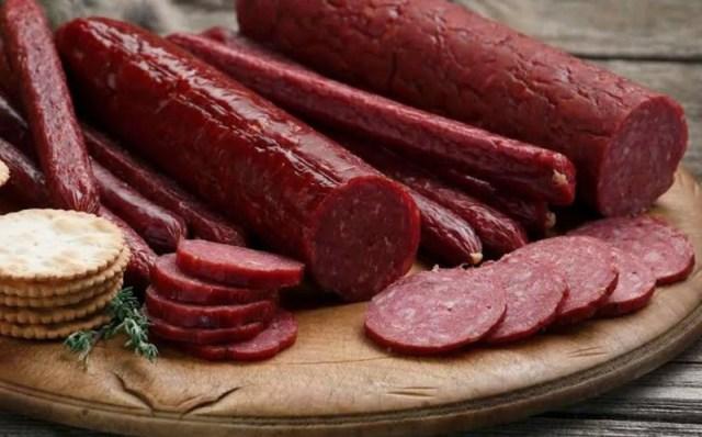Черкесский изготовитель халяльной колбасы добавлял в нее свинину