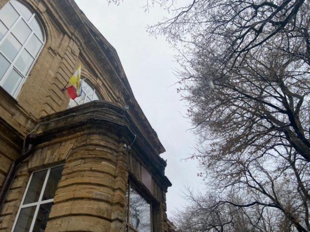 Ставропольская школьница выпала из окна учебного заведения