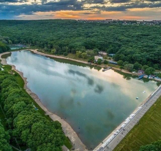 Комсомольский пруд Ставрополя готовится к открытию купального сезона