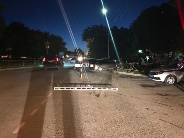 В Буденновске столкнулись 2 иномарки