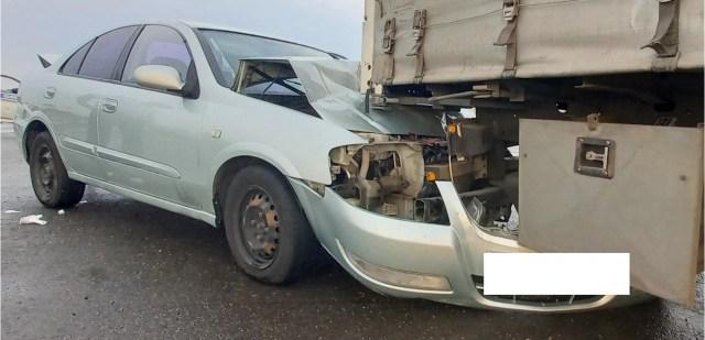 Легковушка залетела под припаркованный грузовик на Ставрополье