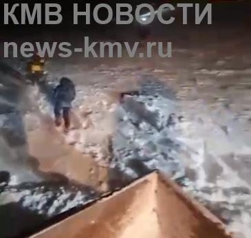 Инструктор группы с петербуржцами во время восхождения на Эльбрус никого не бросал. Идут поиски оставшихся