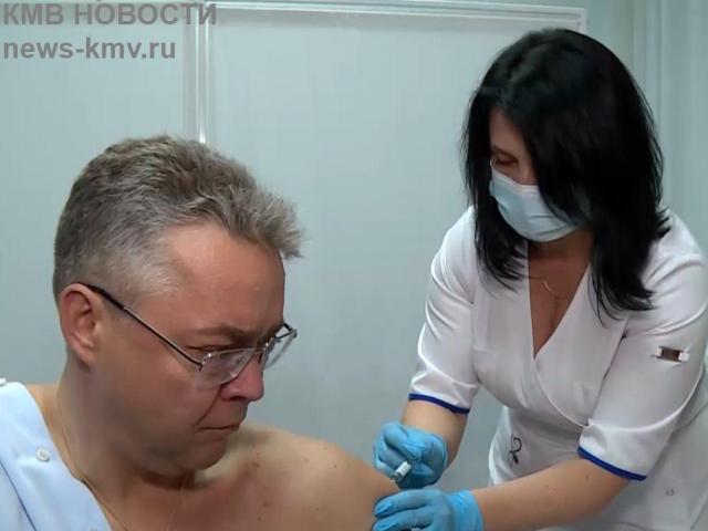 Глава Ставрополья привился от гриппа