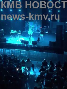 Концерт Васи Обломова внезапно остановила полиция