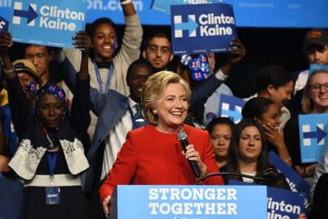 Hillary Clinton, first woman to head the Democratic ticket for President, takes a victory lap at a rally in Westbury, Long Island following a triumphant first debate, at Hofstra © 2016 Karen Rubin/news-photos-features.com