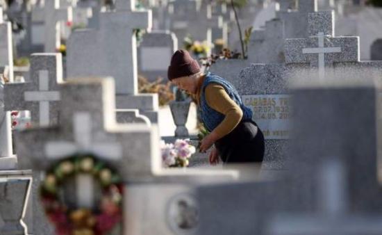 Cimitirul din Bălcescu, aproape gata