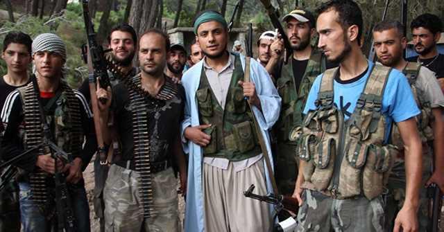 СМИ: сирийские туркманы захватили одного пилота сбитого Су-24