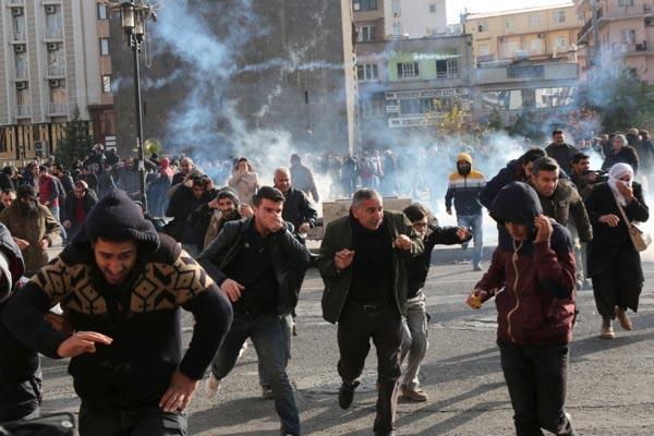 Два демонстранта убиты в Диярбакыре