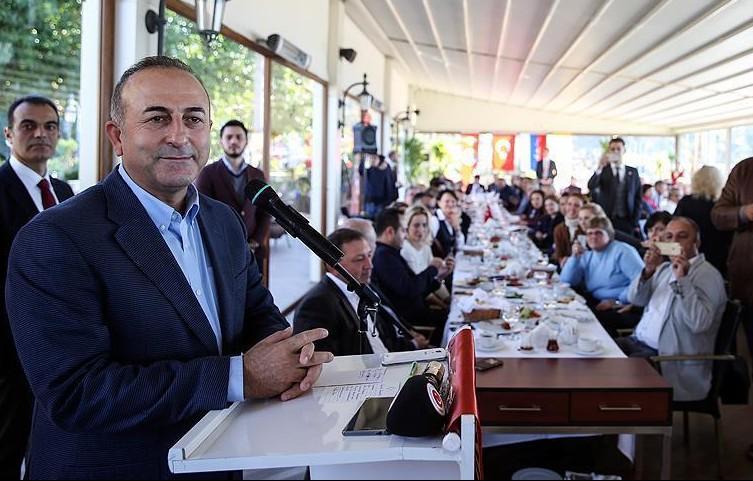 Министр иностранных дел Турции встретился с русской общиной Алании