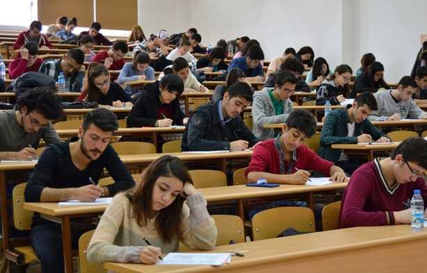 Сегодня в Турции проходит Единый государственный экзамен