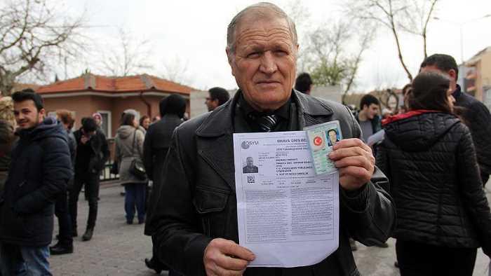 72-летний житель Турции намерен поступить в университет