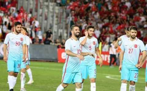Турция выиграла, но оглядывается