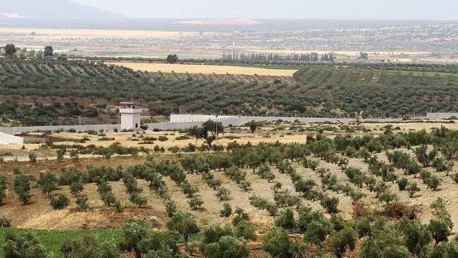Стена между Сирией и Турцией построена наполовину