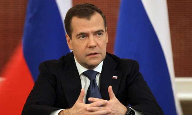 Медведев поручил за неделю согласовать чартеры