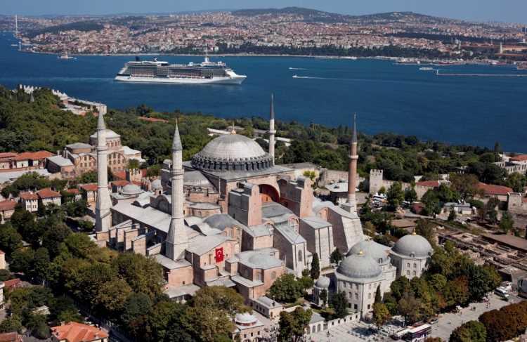 Турция будет доплачивать по $30 за каждого туриста