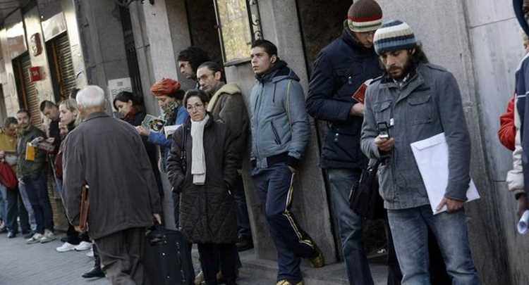 Безработица в Турции медленно идет на спад