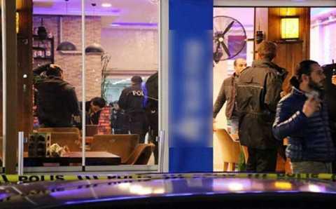 Стрельба в кафе: 3 погибших, 9 раненых