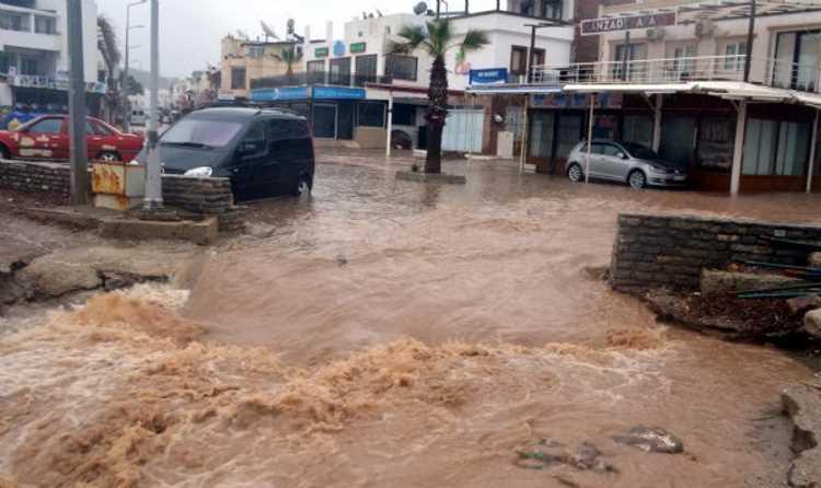 Бодрум страдает от наводнения