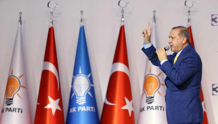 Президент Турции обрушился с критикой на оппозицию