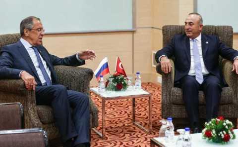 Чавушоглу обсудил с Лавровым безвизовый режим