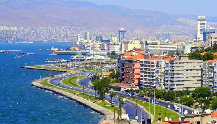 Измир пережил мощное землетрясение 6,6 балла